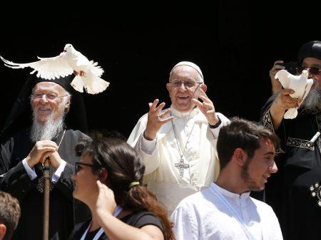 "Papa: ""Chega de ocupar o Oriente Médio para saciar sede de lucros"""