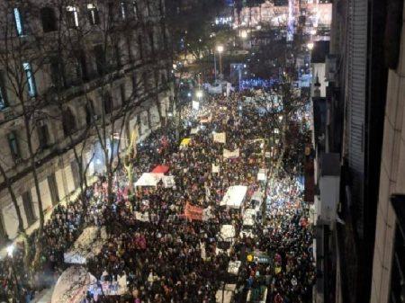 Macri joga gasolina no incêndio da economia: juros de 60%