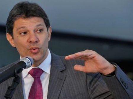 """Haddad se reúne com o J.P. Morgan e a Febraban para """"enfrentar os bancos"""""""