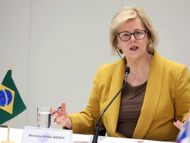 Eleitor precisa saber os reais concorrentes, diz Rosa Weber