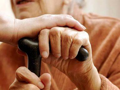 STJ decide que aposentados que necessitam de cuidador têm direito a acréscimo de 25%