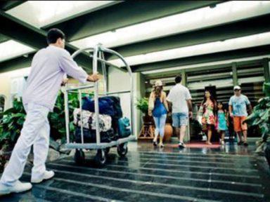 Entre maio e junho, setor turístico demitiu 16.497