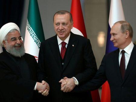 Erdogan resiste a guerra comercial dos EUA e diz que juros não aumentarão