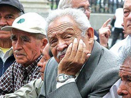 7 em cada 10 aposentados argentinos não cobrem despesas com subsistência