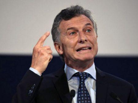 Macri joga juros reais a estratosféricos 12% e empurra Argentina à recessão