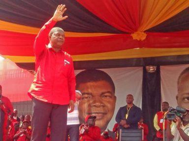 Filho do ex-presidente de Angola, incurso em crimes de corrupção, cumpre prisão preventiva