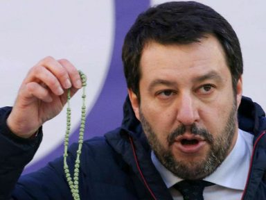 Debate de alto nível na União Europeia:  'pequeno Mussolini' x 'lave sua boca'