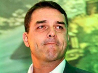 """""""Furna da Onça"""" vê transação suspeita de R$ 1,2 milhão de assessor de Flávio Bolsonaro"""