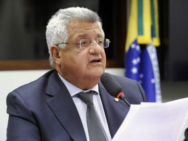 """""""'Escola Sem Partido' na verdade é escola só com o partido de Bolsonaro"""", afirma Bacelar"""