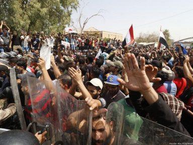 Iraque:  multidão em Basra denuncia desemprego e ausência de serviços públicos
