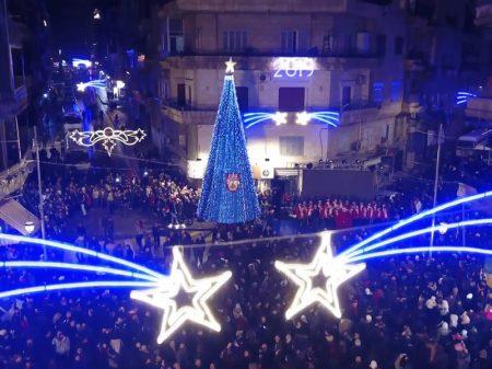 Liberta do terrorismo, Alepo recebeu o Natal com luz, música e poesia