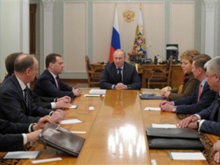Putin: saída dos EUA do Acordo Nuclear INF torna o mundo mais perigoso