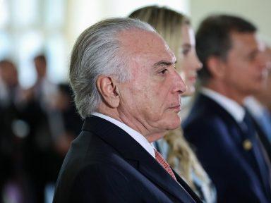 Bolsonaro e Temer liberam domínio estrangeiro das companhias aéreas do Brasil
