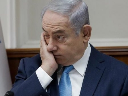 Polícia pede indiciamento do premiê de Israel e oposição sua saída
