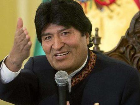 """Bolívia: investimento público como """"locomotiva do crescimento"""""""