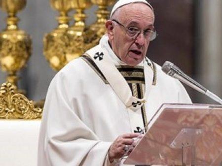 """Papa condena """"ganância e voracidade por bens"""" que provocam guerra e fome"""