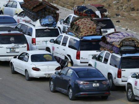 28 mil sírios retornam através da fronteira com a Jordânia