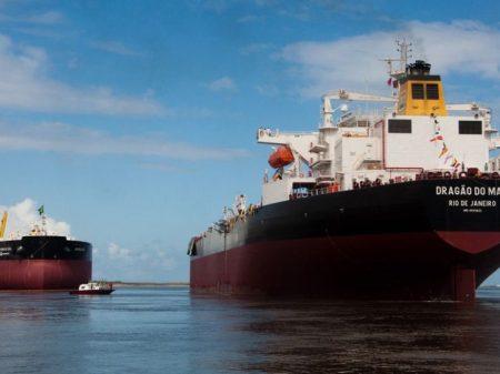 Dilma veta a transferência de 49 navios da Petrobrás à Sete Brasil