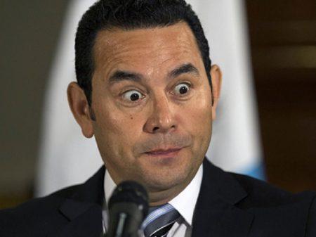 Presidente da Guatemala rompe com comissão que revelou corrupção de familiares