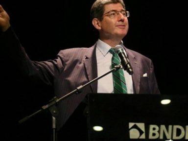 BNDES está pronto para privatizações, diz Levy