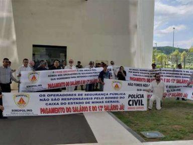 Servidores da segurança pública de Minas protestam contra atraso do 13º