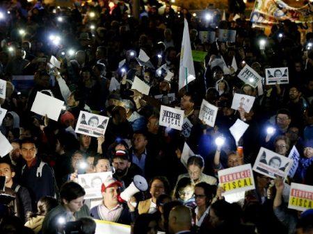Colombianos exigem saída de procurador implicado em escândalo da Odebrecht