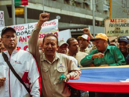 """Marea Socialista: """"Nem o regime de Maduro, nem intervenção externa"""""""