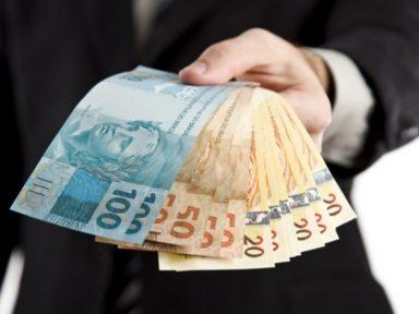 Banco Central quer excluir parentes de políticos da fiscalização do Coaf