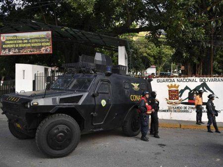 Grupo militar rebela-se contra o governo de Maduro e é detido