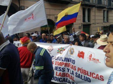Equador: mídia em campanha por congelamento salarial