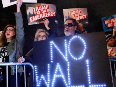 """Nova Iorque e mais 15 estados processam Trump por sua """"emergência fake"""""""