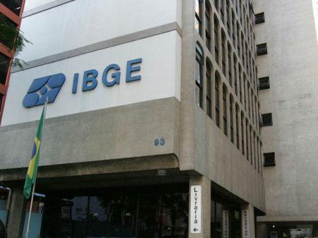 IBGE: funcionários condenam declaração de Guedes