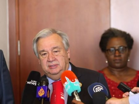 """ONU propõe """"negociações sérias"""" por uma saída pacífica para Venezuela"""