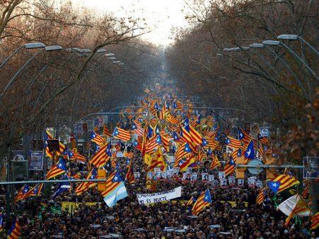 Catalães pedem liberdade para presos políticos