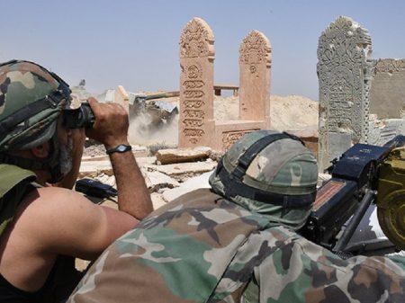 EUA bombardeia artilharia síria para dar cobertura a ataque de terroristas
