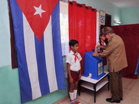Em referendo, cubanos aprovam Constituição por 86,65% a 8,15%