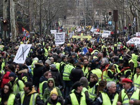 França: truculência policial é repudiada pelos Coletes Amarelos