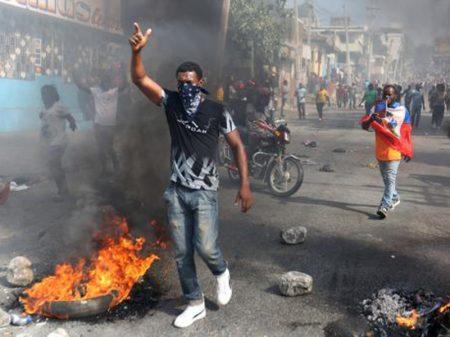 Haitianos mantêm rebelião contra corrupção e exigem saída do presidente Moise