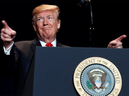 Trump ordena caçada ao indiscreto que espalhou que ele trabalha pouco