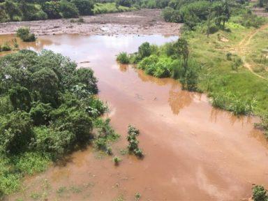 Rejeitos da Vale já avançaram 300 quilômetros; 165 corpos foram resgatados