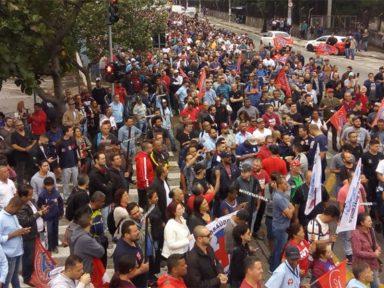 Metalúrgicos do ABC paulista saem às ruas em defesa da aposentadoria