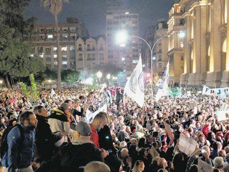Argentinos repudiam perseguição do governo Macri ao juiz federal Alejo Padilla