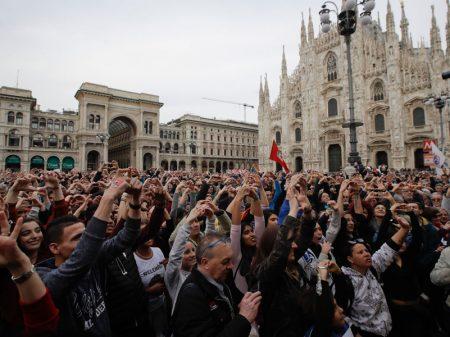 200 mil em Milão repudiam governo por política racista contra imigrantes