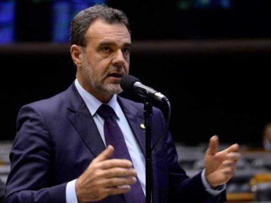 """""""Reforma da Previdência é para maltratar os pobres"""", afirma o líder do PCdoB na Câmara"""