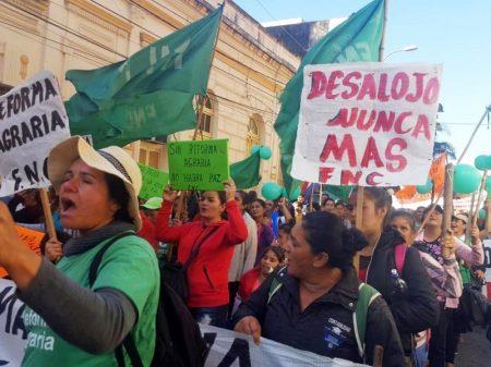 """""""Reforma agrária urgente e necessária"""": Paraguai marcha por justiça e contra a fome"""