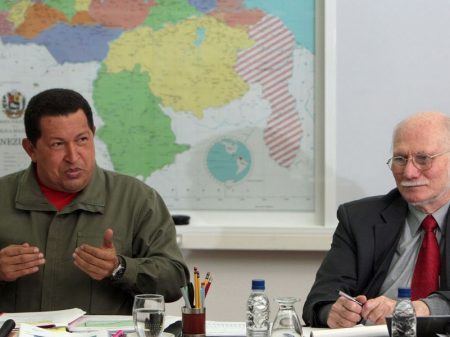 """Ex-ministro Giordani: """"Nem desgoverno da escuridão, nem títere da Casa Branca"""""""