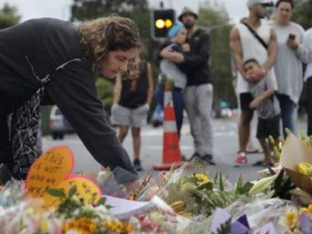 """""""Lei sobre armas vai mudar"""", declara premiê da Nova Zelândia após massacre"""