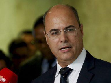Witzel manda afastar professor por uso de charge durante aula no Rio
