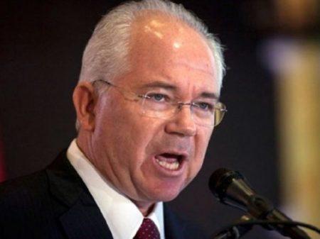 Ministro de Chávez denuncia ações de Maduro e Guaidó lesivas à PDVSA