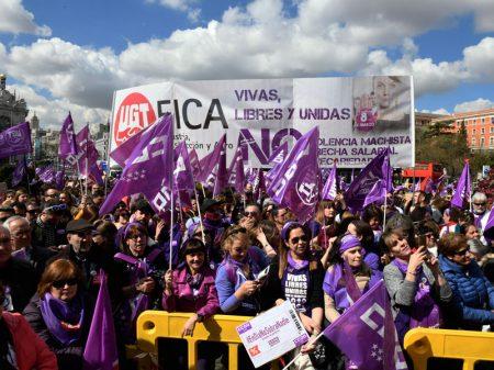 8 de Março no mundo: Mulheres exigem direitos e salários iguais e fim da violência
